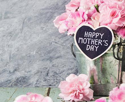 Γιορτή μητέρας: 8 δώρα κοσμήματα για μαμά